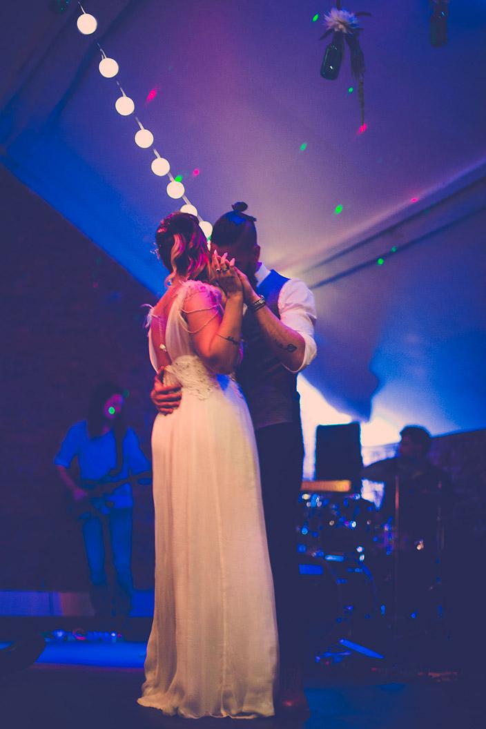 Photo de la première danse, bal des mariés. Salle la ferme Rose à Rebeq
